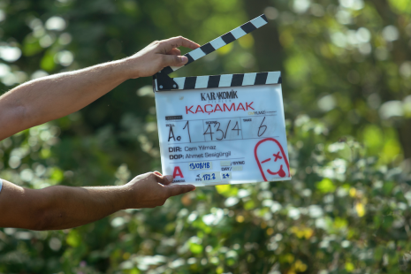 Karakomik Filmler - Kaçamak